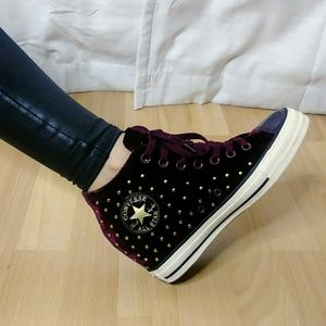 NWT Converse Chuck Taylor Lux Wedges Ruby Velvet